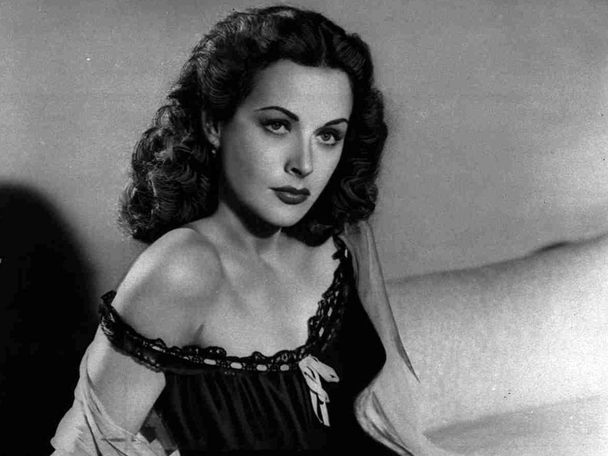 Hedy Lamarr- hedy lamaer old black white