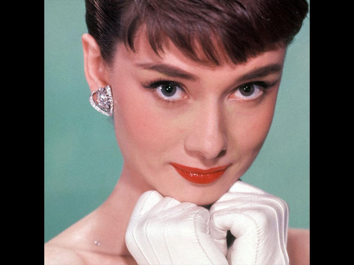 Audrey Hepburn shy pose