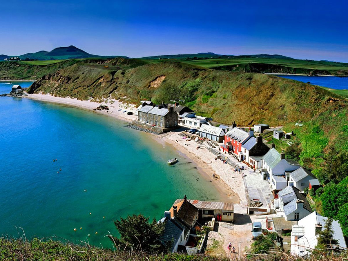 beaches of Porthdinllaen, Wales