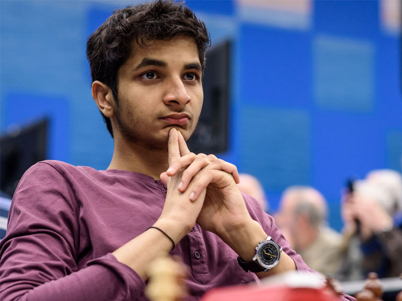 vidit santosh chess player