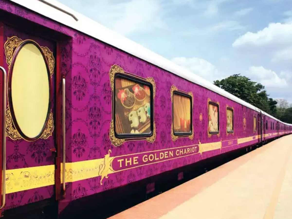 golden chariot the luxurious train in india