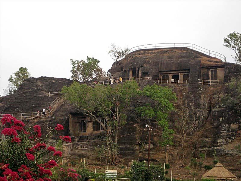 pandav caves chiplun