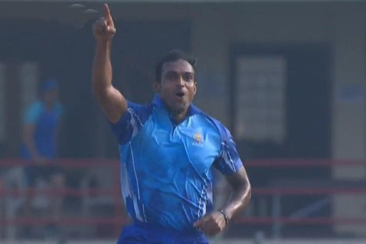 Abhimanyu Mithun bowled brilliantly in the semi-finals