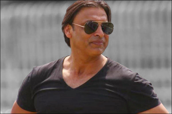 Shoaib Akhtar opposes four day Tests