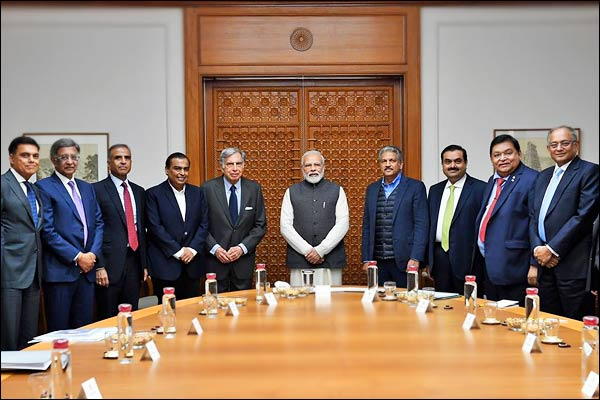 PM Modi meets business leaders to discuss economy
