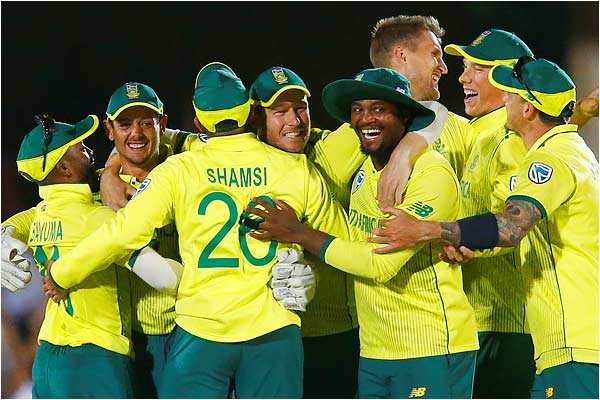 South Africa beat England by 1 run in a thrilling T20 match