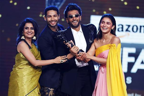 Ranveer Singh and Alia Bhatt starrer Gully Boy ruled Filmfare Awards 2020