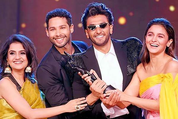 Filmfare awards are  paid  Wikipedia thinks so as Gully Boy wins 13 awards
