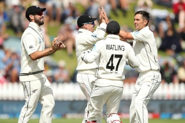 New Zealand has beaten top-ranked India by 10 wickets