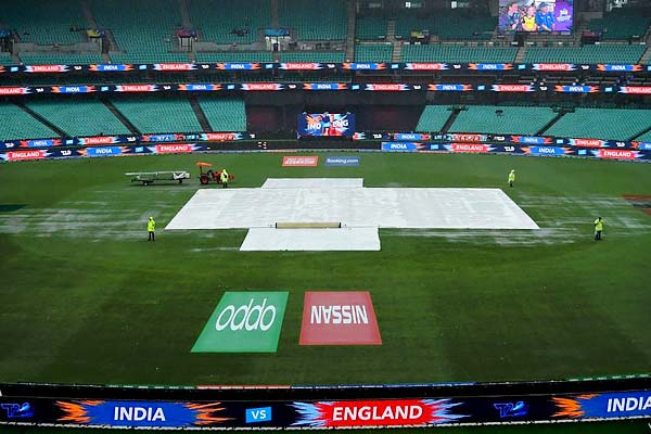 India enter maiden final after rain forces abandoning of semi final