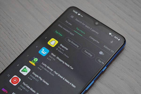 Dark mode feature given in Google Play Store