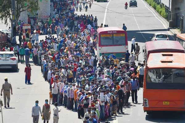 Centre asks states to shut borders as coronavirus cases cross 1100 mark