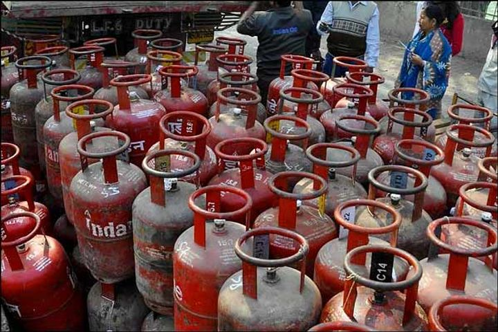 LPG cheaper by Rs 61 per cylinder  Indore included in 16 hotspots in the country