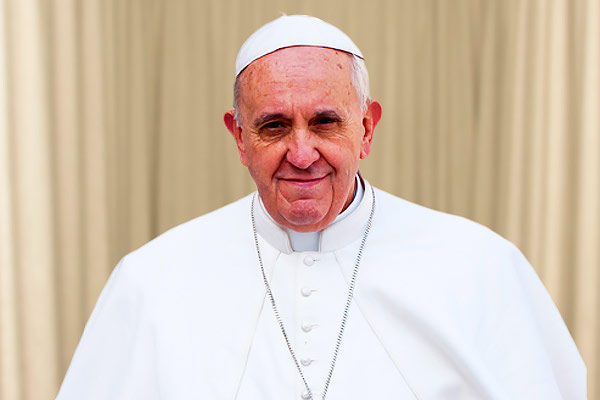 Pope Francis message to the world Not to  yield to fear