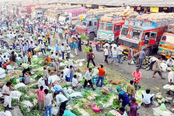 11 traders of Azadpur mandi became Corona positive many shops sealed