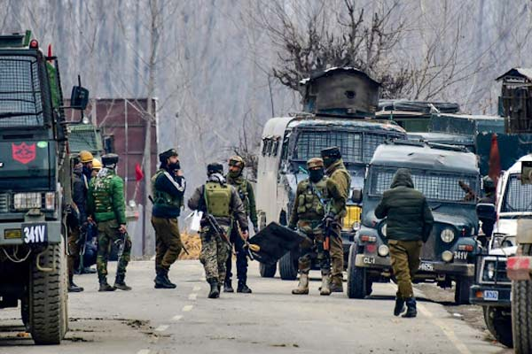 1 soldier killed in Anantnag terror attack 1 child killed 3 terrorists killed in Pulwama