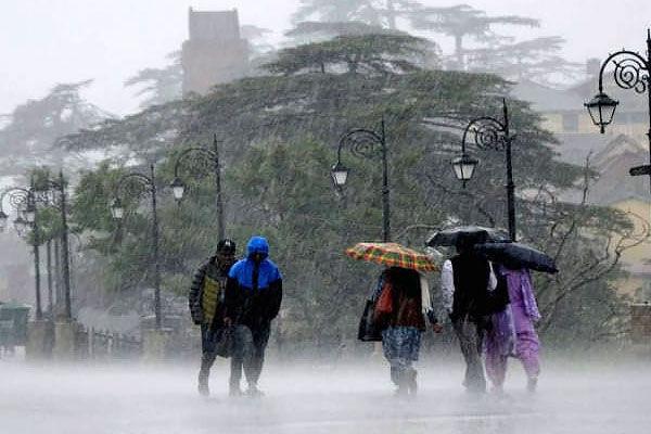 IMD issues red alert for Mumbai Raigad, Ratnagiri predicts heavy to very heavy rainfall