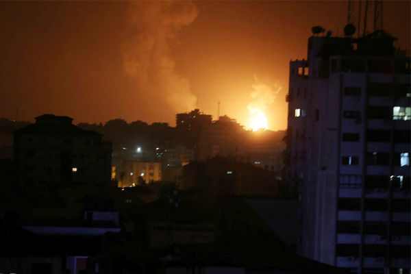 Israel airforce attacks Gaza strip after rocket attacks in its territory
