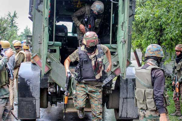 Encounter in Srinagar one soldier injured in shooting 2 terrorists killed