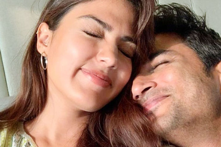 Rhea Chakraborty approached SC seeking transfer of FIR against her from Patna to Mumbai
