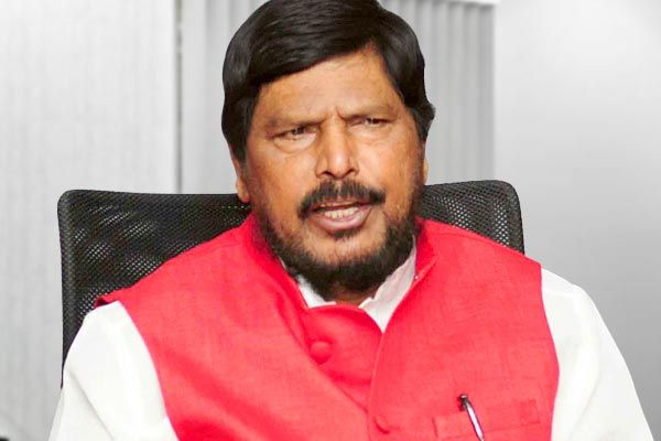 Union Minister Ramdas Athawale meets Sushant father Says Bollywood mafia will be exposed