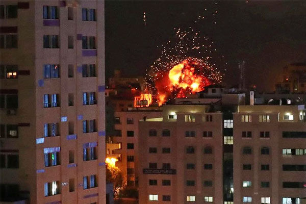 Israeli jets bomb Gaza after rocket fire clouds peace deal signing