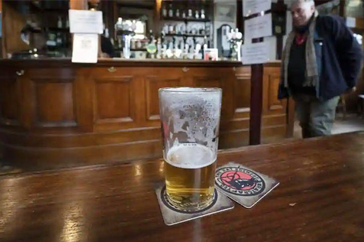 Pubs shut in parts of England
