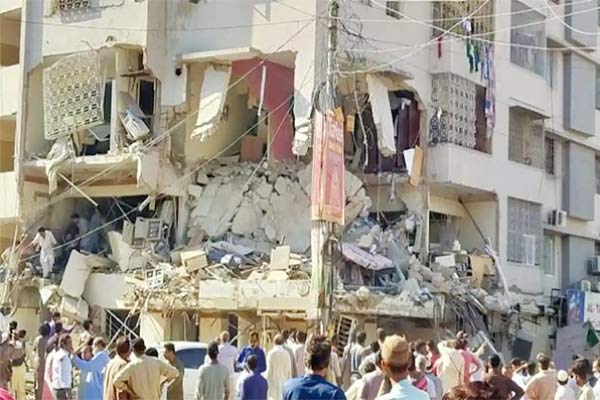 Massive explosion in building near Karachi University kills 3 people, injures 15