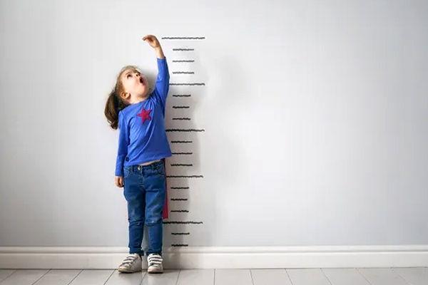 Global height gap among children