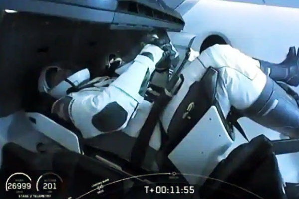 SpaceX capsule docks with ISS