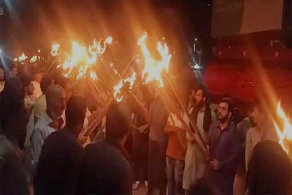 An Islamic group stopped protests in Pakistan over the cartoon of Prophet Mohammad