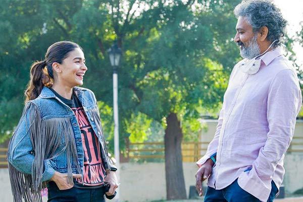 Alia Bhatt starts shooting for RRR