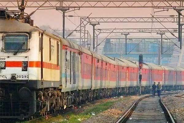 Indian Railways: Construction of first long loop line at Bikkavolu station of Vijayawada station.