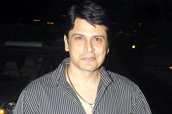 Actor Cezanne Khan Accused By US Based Pakistani Woman Of Cheating On Her