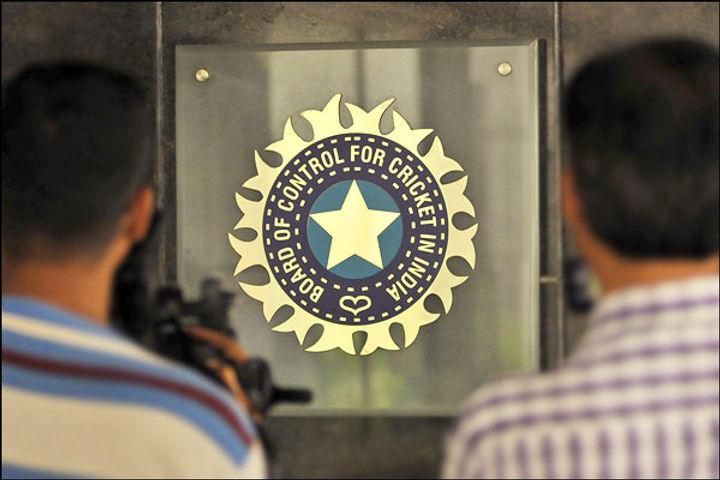 BCCI announced a bonus of Rs 5 crore