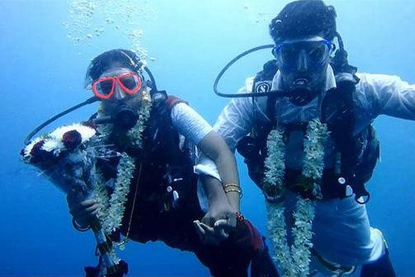 Chennai couple marry underwater