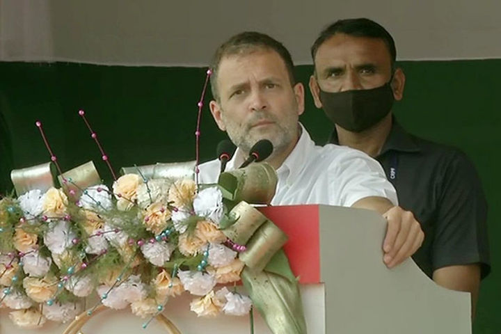 Rahul targets RSS in Assam