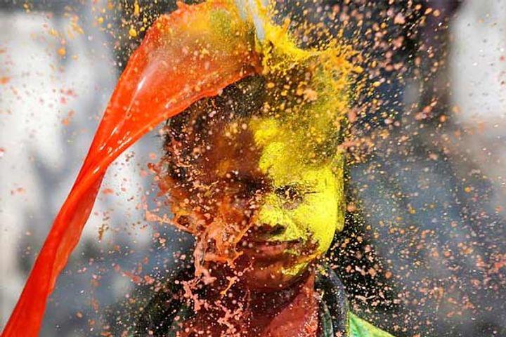 Delhi Mumbai ban Holi celebrations in public amid coronavirus surge