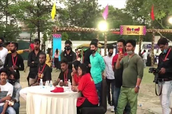 Covid Protocol Broken In Sunny Leone Programme in Lucknow