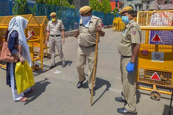 300 Delhi Police personnel contract Covid