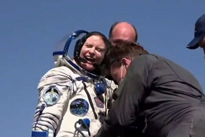 kate rubins returned to earth from space 185 days later