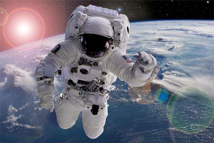 Jeff Bezos Company Blue Origin Is Preparing To Take People On A Space Tour