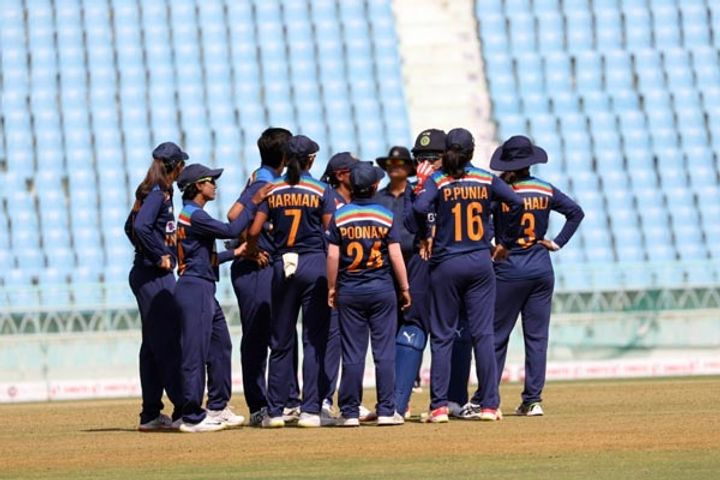 BCCI agrees to give prize money to womens team that reaches final of T20 World Cup
