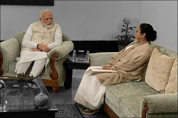 West Bengal CM Mamata Banerjee Arrived 30 Min Late In The Review Meeting Of PM Modi