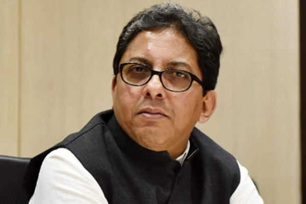 Chief Secretary cannot act as a personal employee of the Chief Minister