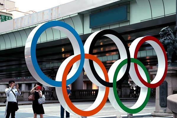 10,000 Olympic volunteers quit