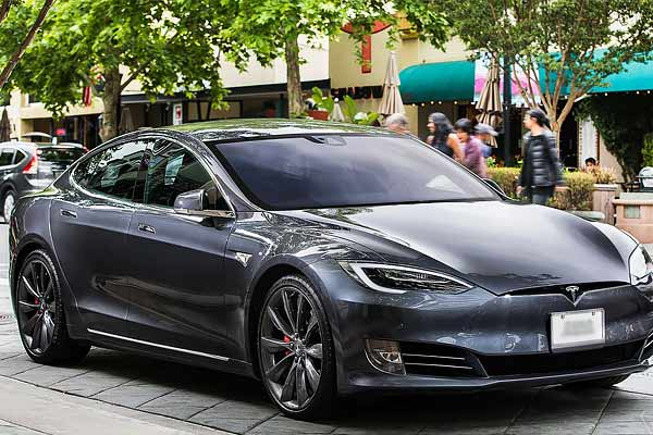 Tesla Model S Plaid launched in US