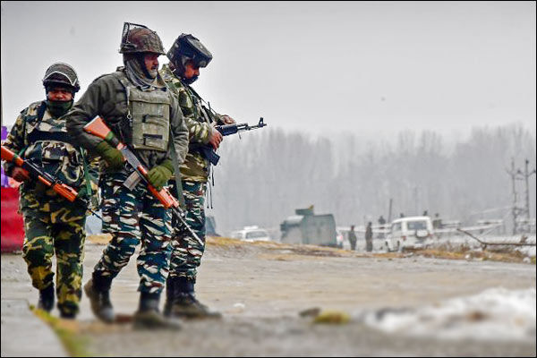 Terrorists Attacked On Joint Naka Party Of Police And CRPF At Litter Aglar In Shopian Jammu Kashmir