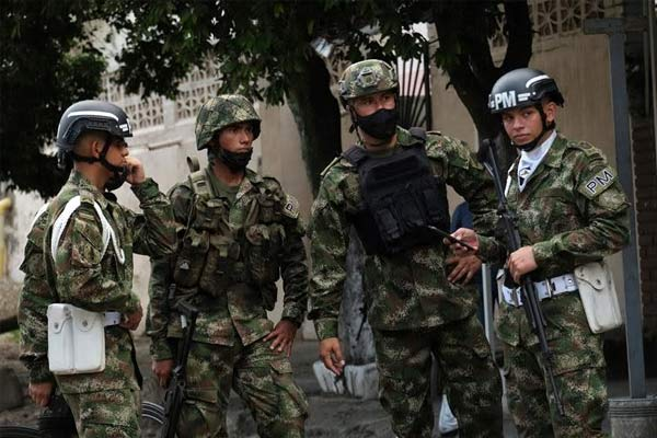 Car explodes inside Colombian military base, injuring 36