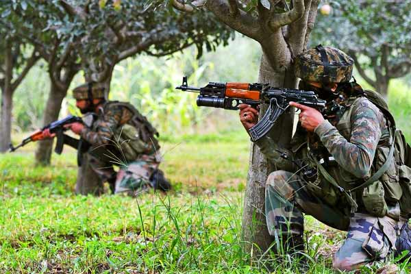 Encounter between terrorists in Pulwama one soldier martyred